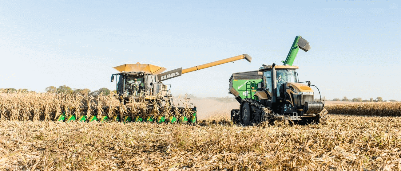 Ag Leaders Connectivity Simplifies Unloading On-the-go for Grain Cart Operators