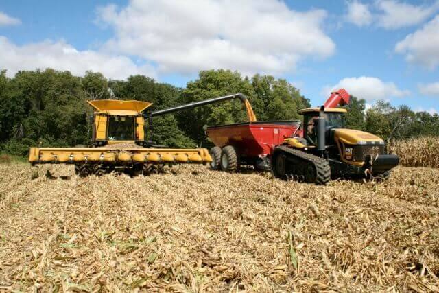 Timing Is Everything When It Comes to Grain Cart Operation