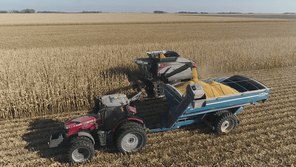 Ag Leader's Connectivity Simplifies Unloading On-the-go for Grain Cart Operators